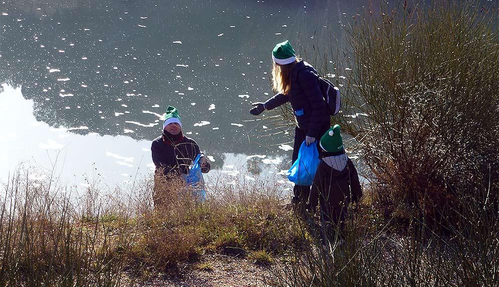 Voluntariado-limpiiando-senda-del-Duero-en-Soria-2015