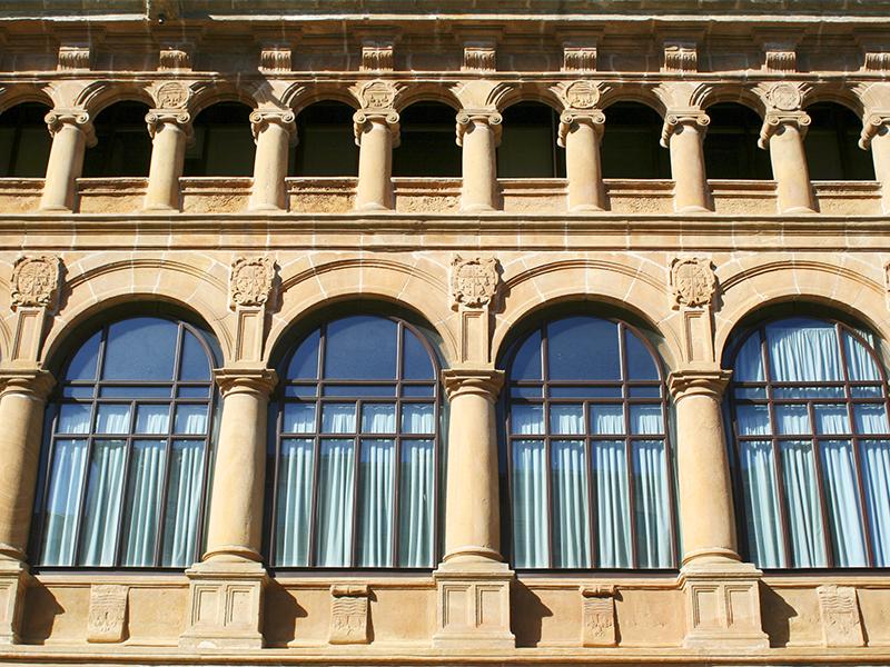 Primera planta acristalada Palacio de los condes de Gómara