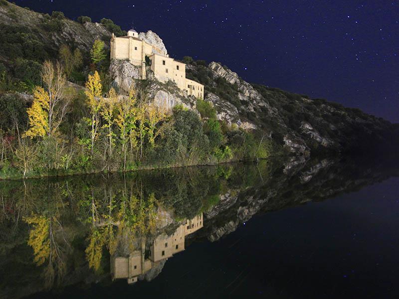 Iluminación nocturna de San Saturio en Soria