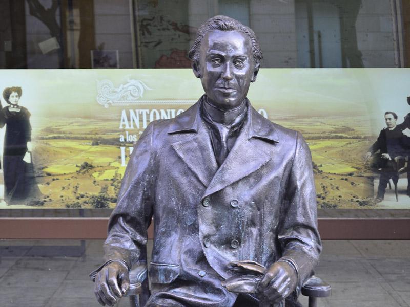 Estatua de Machado