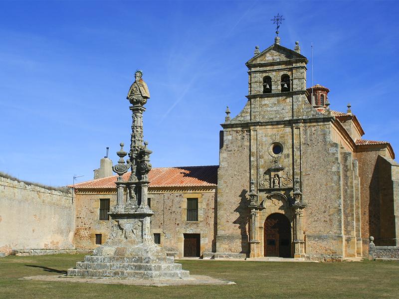Entrada principal de la Ermita del Mirón