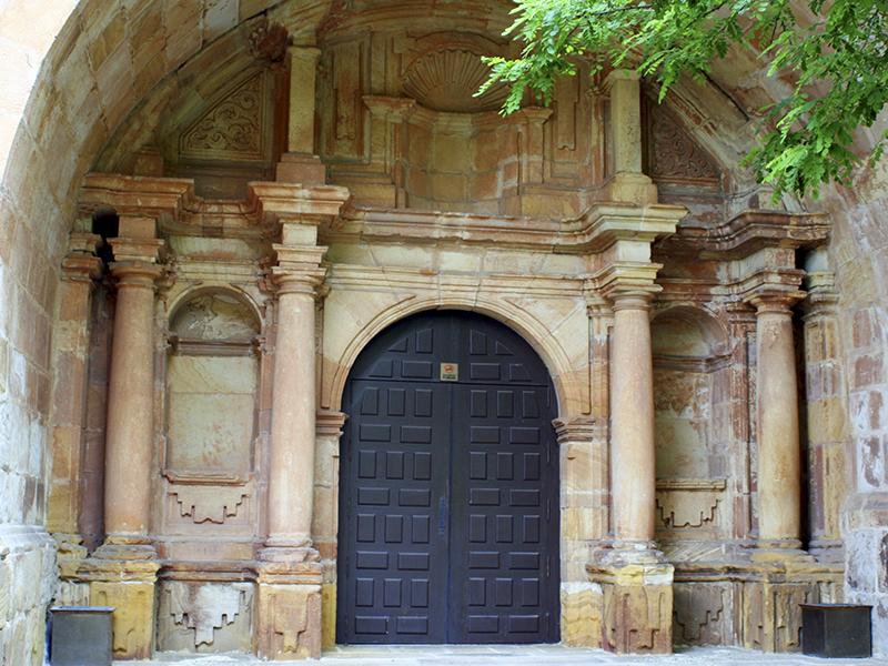 Pórtico entrada principal