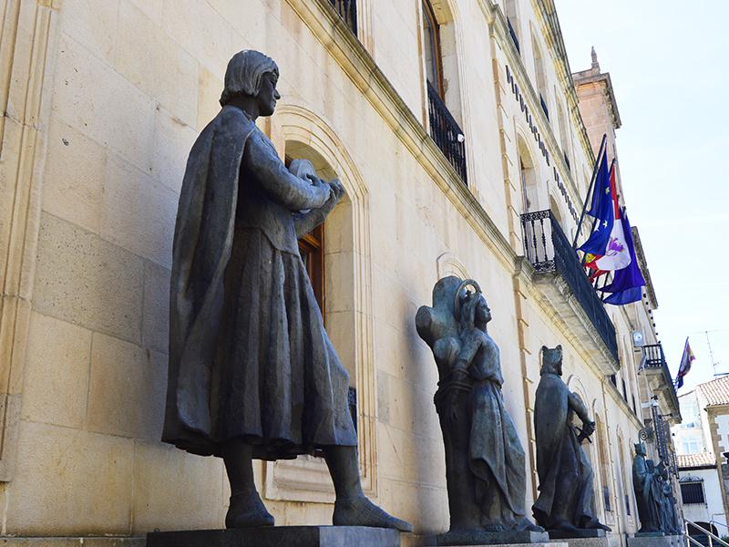 Estatua del juglar del Cid en Soria