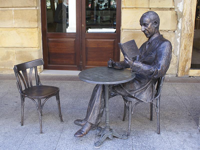 Poetas de Soria, escultura a Gerardo Diego