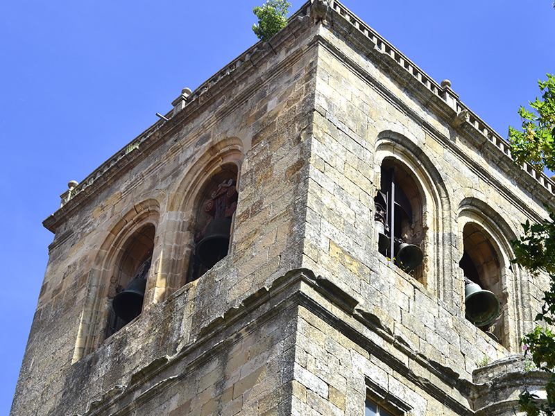 Parte superior torre del campanario