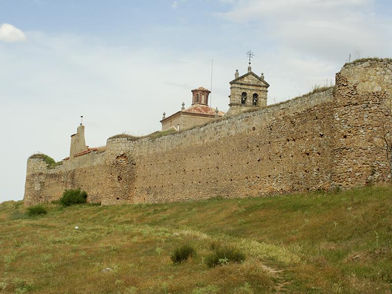 La muralla tras El Mirón