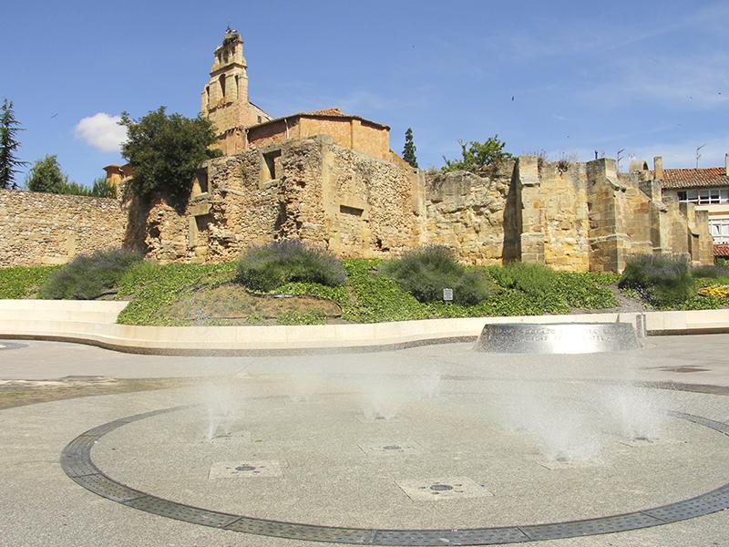 Fuentes y ruinas Rincón de Becquer en Soria