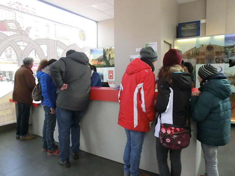 El mes de noviembre sube por primera vez de las 3.000 consultas en las oficinas de turismo