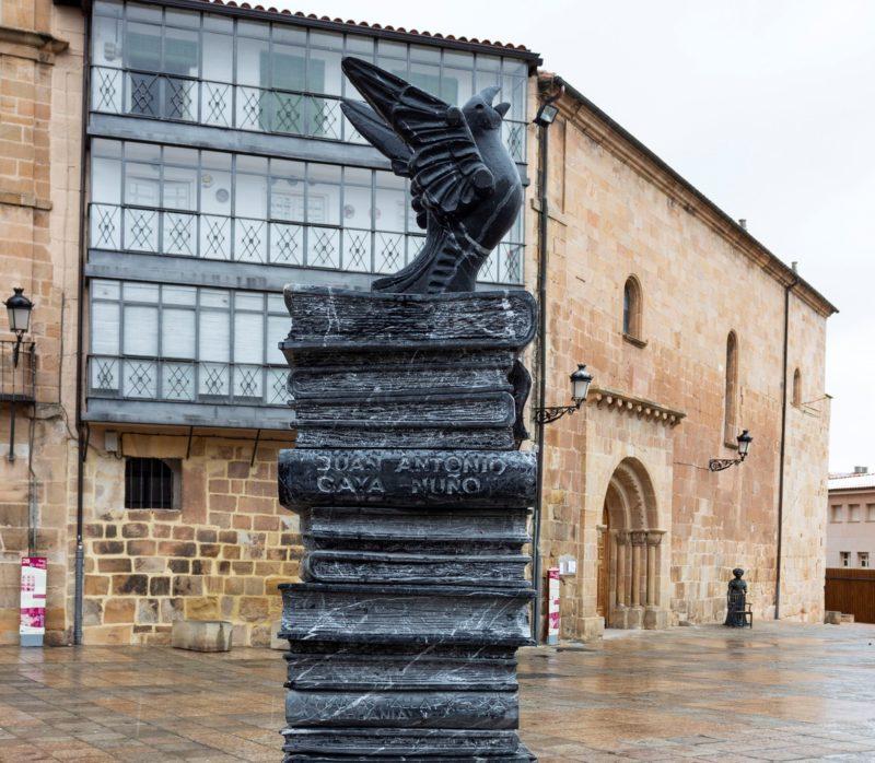 El Ayuntamiento celebra el Día del Libro con lecturas de poemas, cuentos, recomendaciones literarias y reconocimientos a los grandes escritores vinculados a Soria