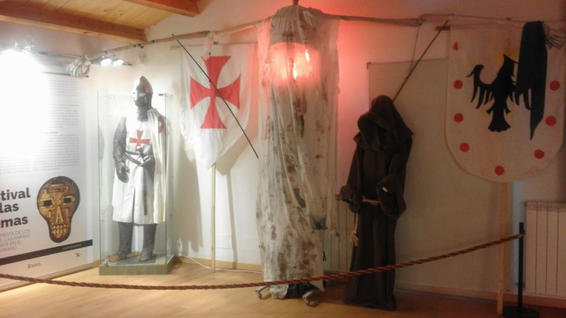'Los hermanos Bécquer' reciben a los visitantes en la reapertura del Centro de Recepción junto al Duero