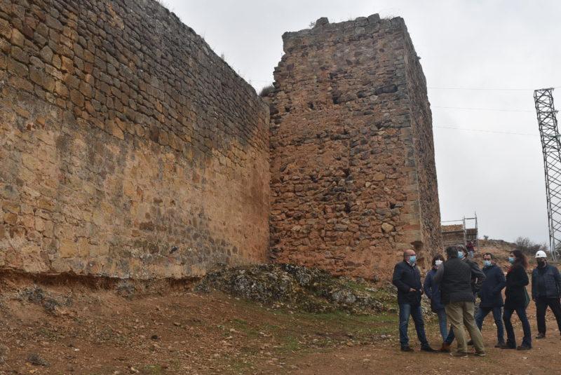 El Ayuntamiento avanza en la rehabilitación de una nueva fase de la muralla y cierra el plazo de presentación de ofertas para la redacción del proyecto con una plica